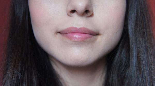 Benefit High Beam y posie tint sobre piel