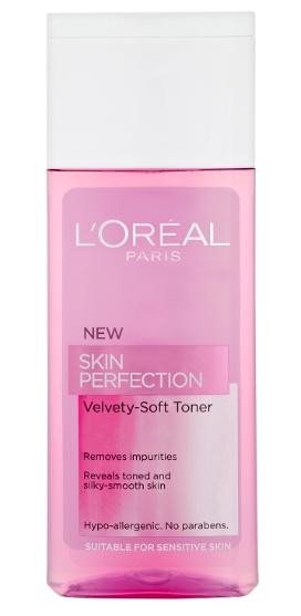 La cosmética para la piel grasa inclinado a los acnés