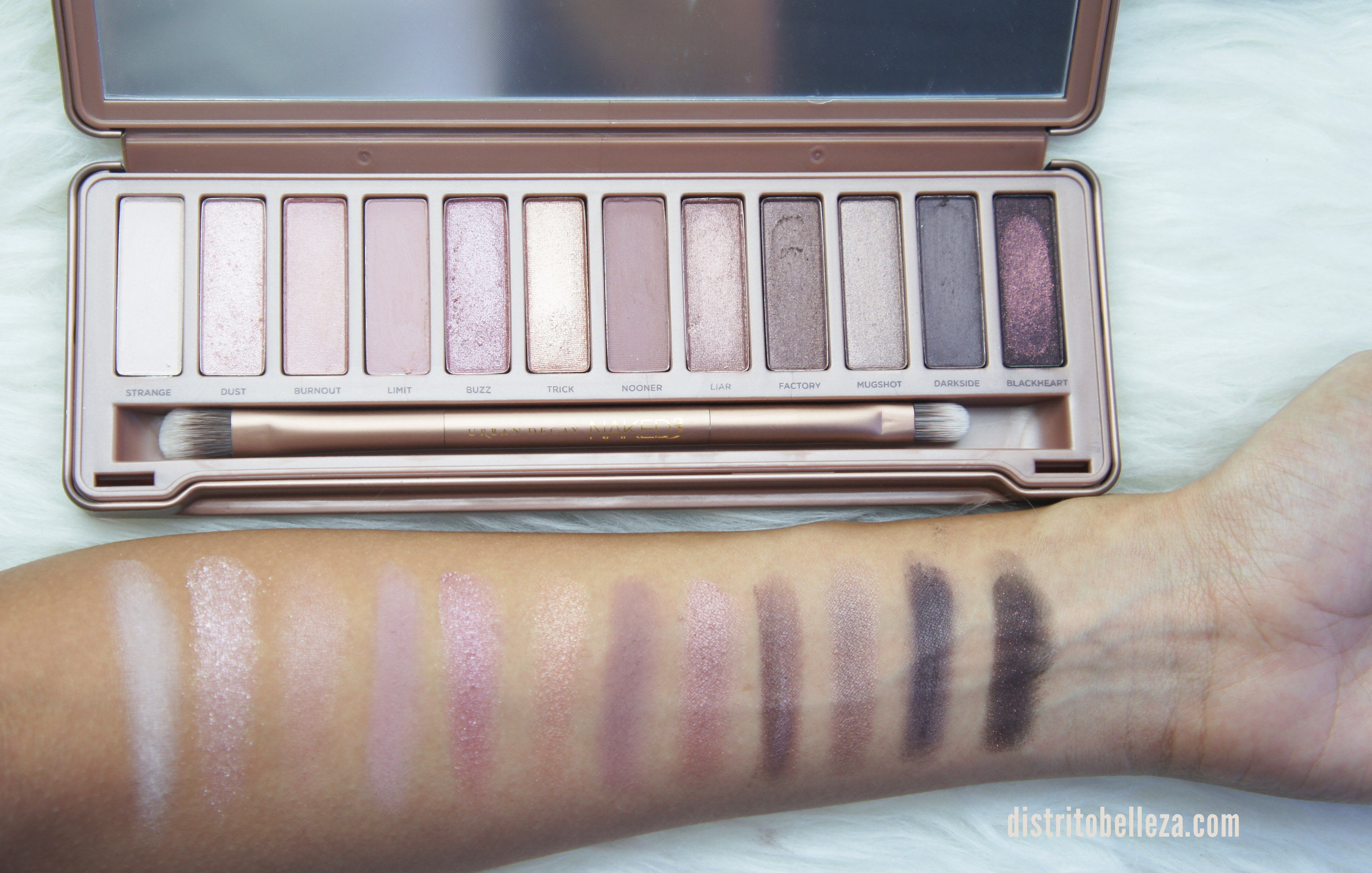 Sombras Naked 3 swatches