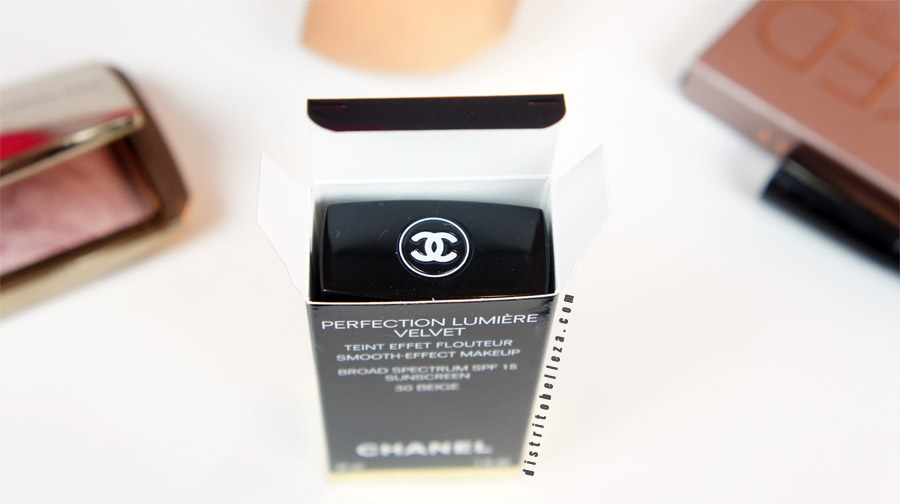 Maquillaje Chanel perfection lumiere Velvet empaque caja