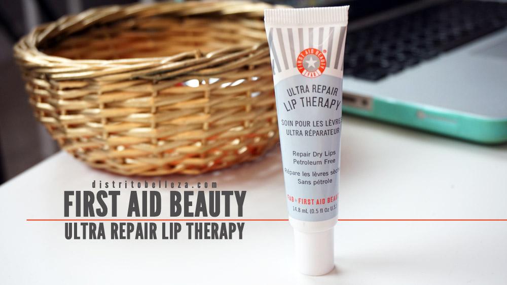 Bálsamo de labios First Aid Beauty distrito belleza
