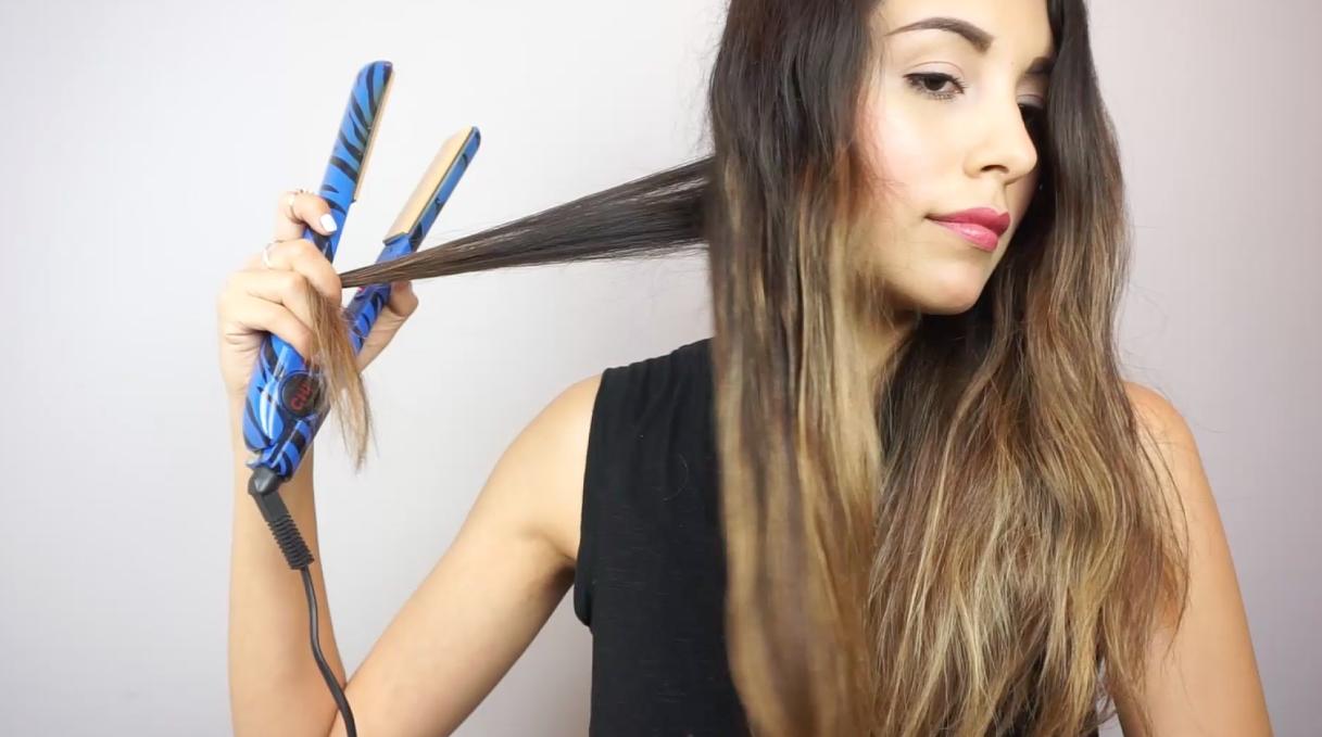 rizos con plancha de cabello