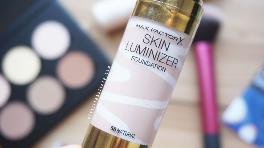 Base Max Factor skin luminizer