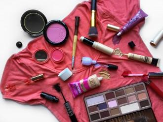 Como quitar el maquillaje de la ropa distrito belleza