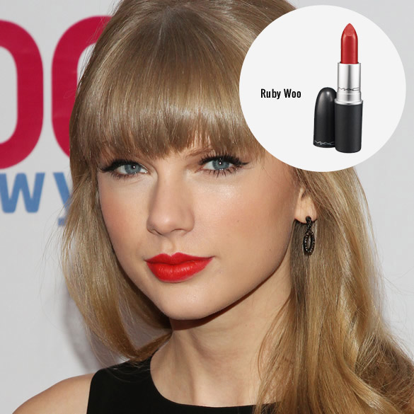Labial rojo de taylor swift mac ruby wo