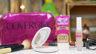 Base Covergirl Ready set gorgeous distrito belleza