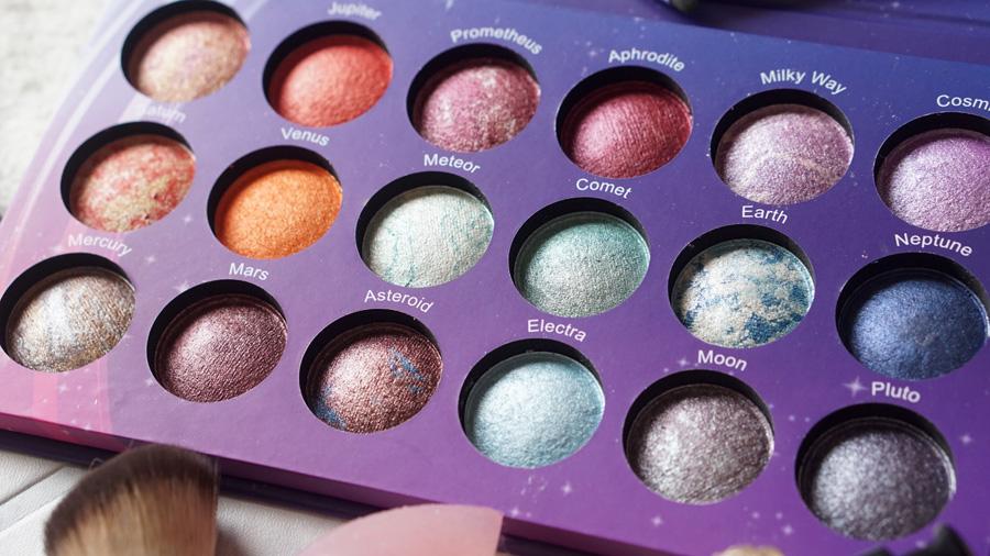 Paleta galaxy chic bh cosmetics espacio