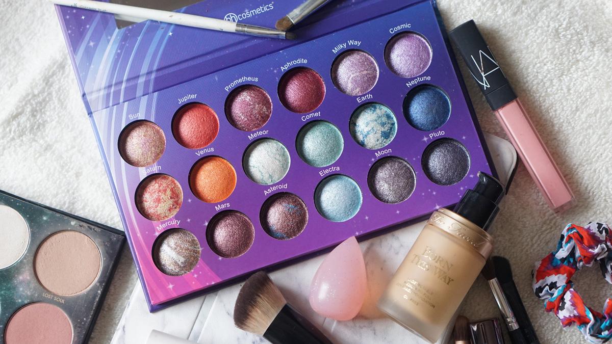 「Galaxy Chic Baked Eyeshadow Palette」的圖片搜尋結果